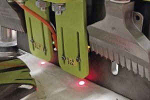 Greif-Velox_optical_measuring_system_that_detects_irregularities_on_bag_valves